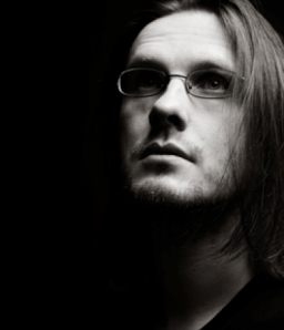 Steven Wilson, compositor, cantante y guitarrista que descubrió su amor por la música desde los 8 años. Fundador de Porcupine Tree. Cortesía: stevenwilsonhq.com