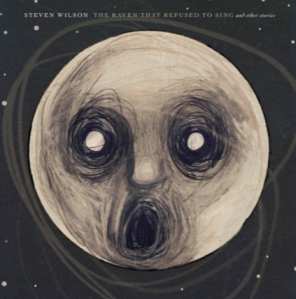 """""""The Raven that Refused to Sing (And Other Stories)"""" es un álbum que cuenta una historia en cada tema con una narrativa lúgubre y sonidos exquisitos.  Cortesía: stevenwilsonhq.com"""