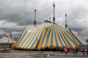 Cirque Du Soleil antes de que la carpa fuera levantada / Foto: Arturo Manjarrez