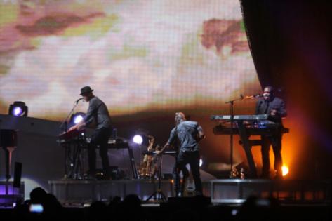 Richie llegó con una banda musical llena de energía que se lució con la armónica y el saxofón. Crédito: Paola Ortiz