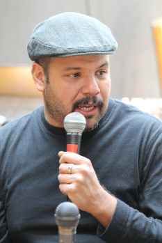 Curador de la carpa Intolerante / Arturo Roseti