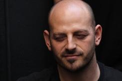 Artista invitado para la Carpa Intolerante / Arturo Roseti