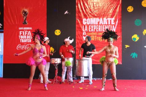 Al ritmo de la samba se disfrutaba el Tour Coca-Cola/Beto Marcelín.