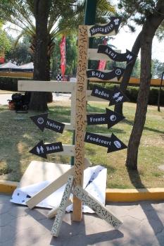 Letreros para ubicar locaciones / J. Arturo Roseti