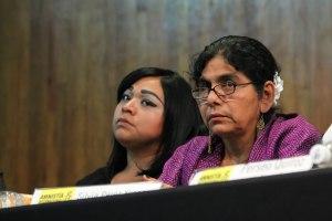 Silvia Pérez y Lourdes Heredia contaron su experiencia acerca de la impunidad y la violación de derechos humanos por la que sufrieron / Foto: Andrea Saint Martin